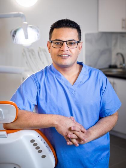 Dr. Mohammed Fatehi - Fogorvos